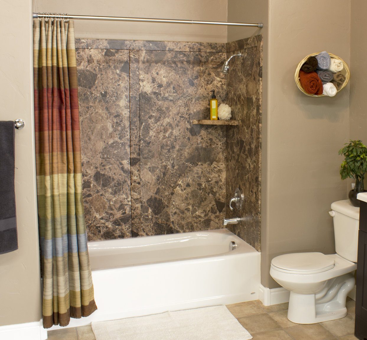 Made in America : Prestige - TUB SURROUND KIT (60x32x60) 5 Stock Colors